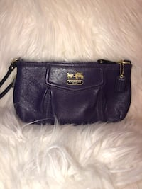 AUTHENTIC Purple COACH Leather Wristlet Burnaby, V5B 2Y7