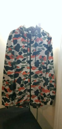 Camo zip up hoodie (size medium)/trades accepted