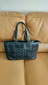Coatch hand bag , black Toronto, M4P 1V5
