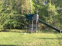 Come and get it! Swingset with slide, swings and swinging bar with two handles!