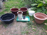 three white and one green ceramic pots Quinte West, K8V 5P4