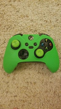 Xbox Game console controller with lime green cover.. need gone asap Fairfax, 22030