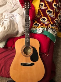 brown and black dreadnought acoustic guitar Waldorf, 20603
