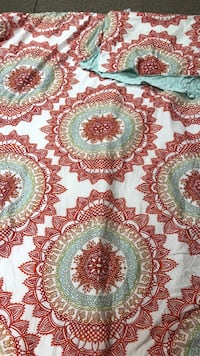 Comforter. Twin size . Orange/red/aqua North Kingstown, 02852