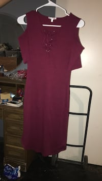 Women's burgundy dress  Las Vegas, 89121