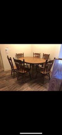 Wooden table Temecula, 92591