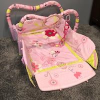 Baby's pink and white floral bassinet Calgary, T2C 1Z1