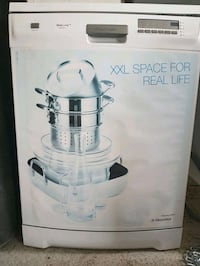 Lave vaisselle electrolux real life XXL  Odos, 65310