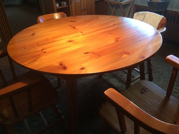Round Wooden Dining Table With 2 Leafs And 4 Chairs Handmade