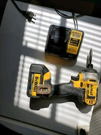 Dewalt impact drill, 1 battery and 1 charger  Oklahoma City, 73118