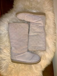 Ugg boots - 7 - new Oakland, 94602