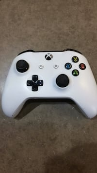 White Xbox one controller  Ajax, L1S 7K8
