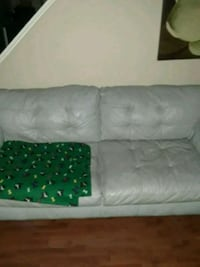 couch Jacksonville, 28546