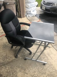 black and gray rolling chair Bradford, L3Z 3E6