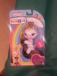 New fingerlings gigi baby unicorn