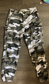Army cargo pants  Mississauga, L5G 1H8