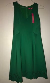 green and red long-sleeved dress 385 mi