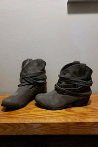 Shoes - Size 9 Fargo, 58103