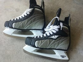 Size 8 skate shoes