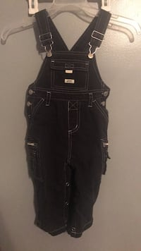 Size 24 months boys overalls Rockford, 37853