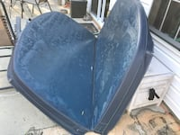 Blue Hot tub cover and steps 80 1/2 x 80 1/2 ""