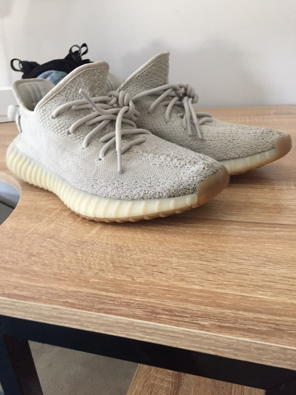 954254069f5d9 Used Yeezy Sesame 350v2 used 7 10 condition US Size9.5 for sale in Vaughan
