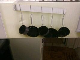CUISINART WALL MOUNTED POT RACK