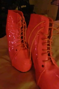 Womans Dancing Ankle Boots Hot Pink and blacklight glow. Clinton Township, 48038