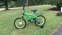 John Deere with training wheels Sevierville, 37876