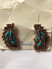 Vintage gold tarnish resistant earrings Dix Hills, 11746