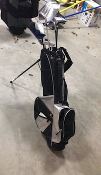black and gray golf bag Oakton, 22124