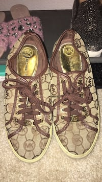 Authentic Michael kors sneakers size 7 worn  San Francisco, 94103