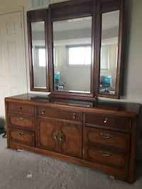 Dresser, mirror and night table Whitby, L1R 1Y1