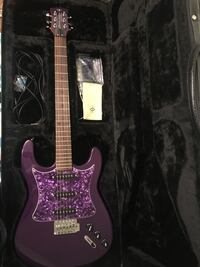 Randy Jackson Limited Edition Electric Guitar with Amp and Case Magnolia, 44643