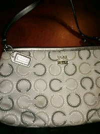 Authentic coach handbag Edmonton, T5L