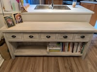 Custom hutch / display unit  Vancouver, V5Z 1B6