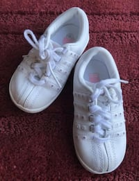pair of white low-top sneakers Washington, 20024