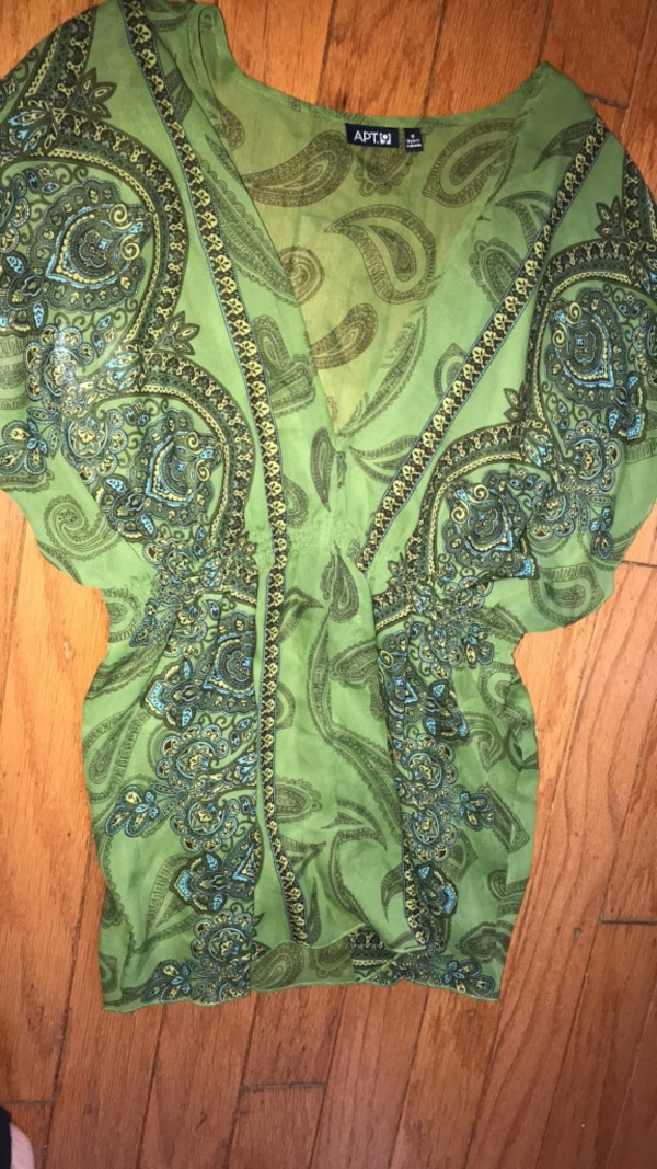 apartment 9 size small top new