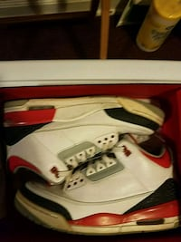 Jordan fire red 3s Cohoes, 12047