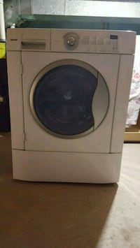 white front-load clothes washer Brampton, L6T 3P7