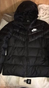 Black nike zip-up hoodie Surrey, V3T 1C3