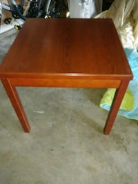 Large living room end table Ontario, 91762