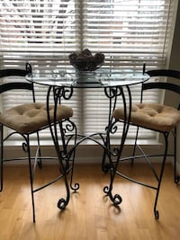 Table chairs - black iron rod  ROCKVILLE