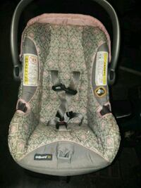 green and gray car seat carrier with no base Barberton, 44203