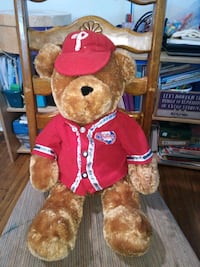 Adorable large size super soft Phillies teddybear Philadelphia, 19111