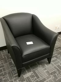 RA faux leather accent chair