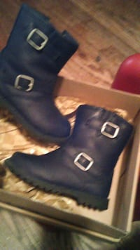 Little Girls Leather UGG Size 7 Baltimore, 21223