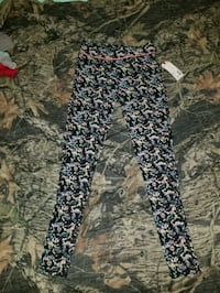 Yoga pants, brand new with tags  Greensboro, 21639