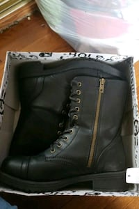 pair of black leather boots in box Hyattsville, 20782