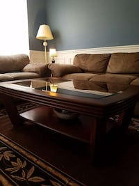 Large coffee table and two end tables Manassas Park, 20111